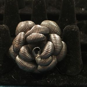 Metal rose ring